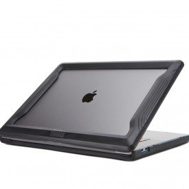 thule vectros macbook pro bumper 7