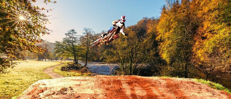 Como escolher o capacete de motocross ideal para suas aventuras?